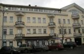 Edificio accostato in affitto in blocco a pochi passi da Serpukhovskaya