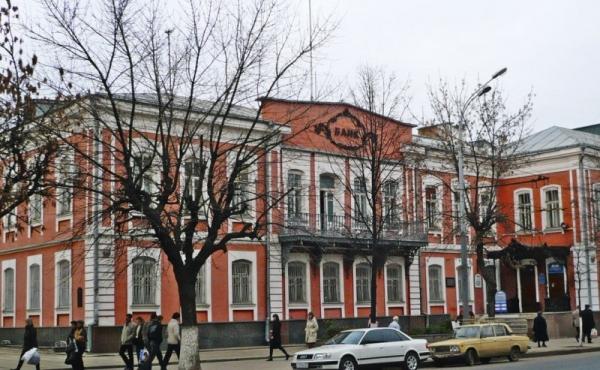 Palazzo storico in centro ad Oryol per uffici, albergo, clinica