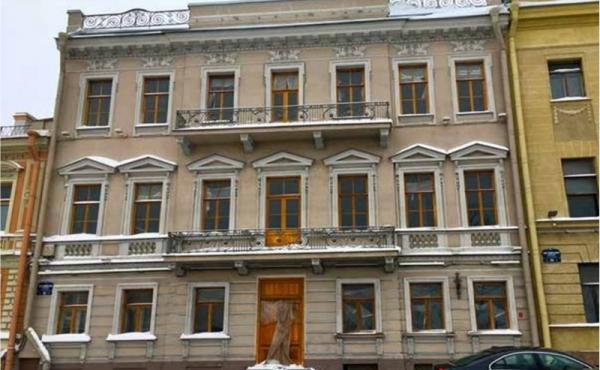 Progetto di riconversione di palazzi storici in albergo 4 o 5 stelle (ca.180 camere)