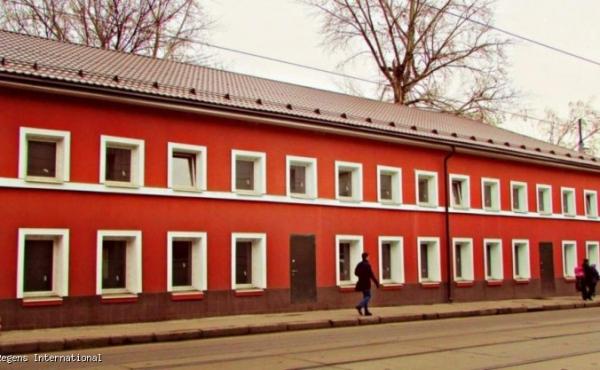 Edificio accostato di 627 mq in affitto/vendita in zona Serpukhovskaya