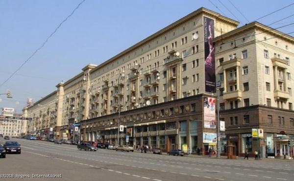 High-street retail premises of 254 m2 near Okhotny Ryad