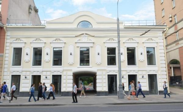 Spazi per retail in palazzetto ristrutturato zona Novoslobodskaya