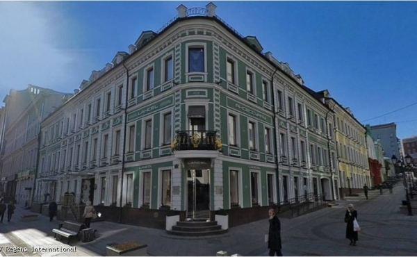 Spazi in affitto in splendido palazzo restaurato su Stoleshnikov