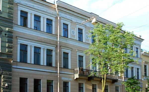 Appartamenti in vendita in palazzo su Bol'shaya Morskaya