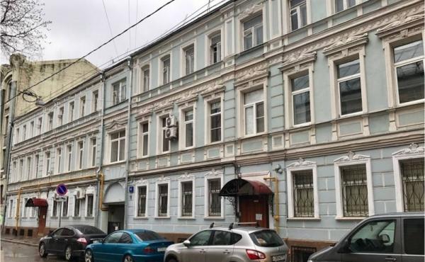 Appartamenti al grezzo in palazzetto storico in Chistye Prudy