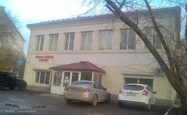 Edificio trilivello di 420 mq in zona Voykovskaya