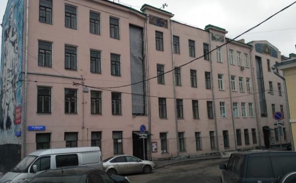Appartamento di 100 mq da ristrutturare nella prima casa dal Cremlino