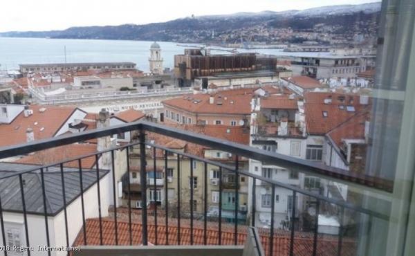Splendido appartamento panoramico a Trieste a pochi passi dal mare e da Piazza Unità