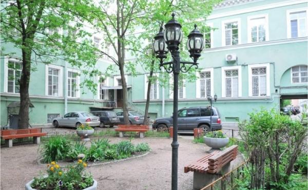 Appartamento di ampia metratura in affitto sulla Millionnaya