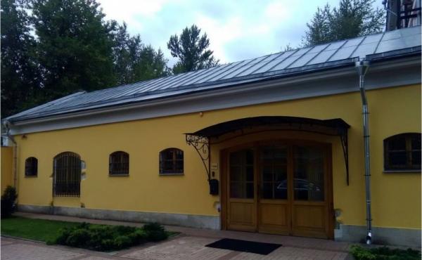 Showroom con foresteria in elegante contesto zona Taganskaya