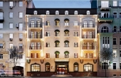Boutique hotel for sale near Patriarch's ponds