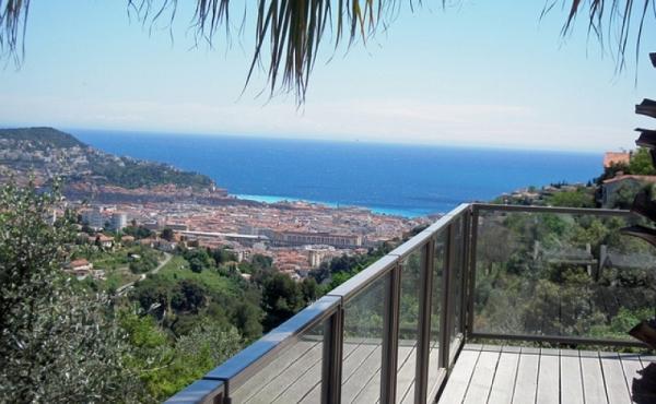 Villa con piscina e vista mozzafiato sul centro di Nizza ed il mare