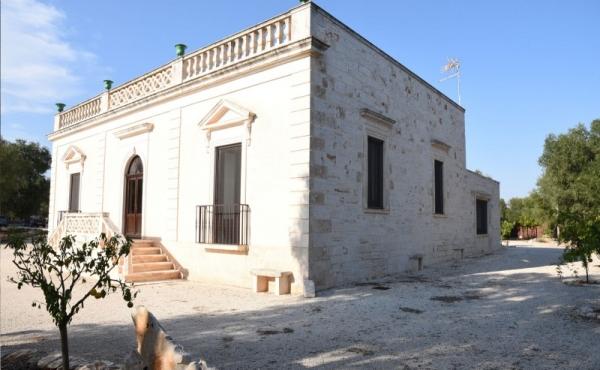 Tenuta storica di pregio finemente restaurata nel cuore della Puglia