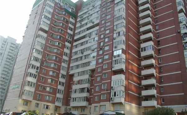 Ampio appartamento con 3 camere vicinanze Michurinsky prospekt