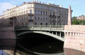 Appartamenti bilivello in palazzo di metà Ottocento affacciato sul Ponte dei Baci