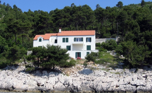 Waterfront villa with direct sea access on the island of Korcula