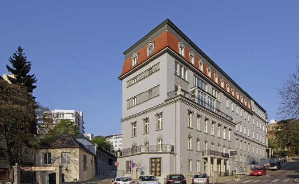 Luxury residences for rent in heritage building in Bratislava