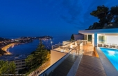 Luxury villa overlooking the bay of Villefranche-sur-Mer