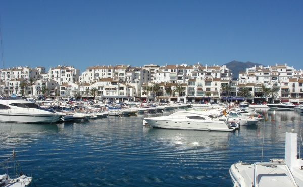 Restaurant business for sale in Puerto Banus, Marbella