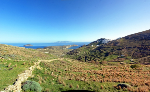 Sea-view building plots for sale on the island of Serifos
