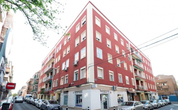 Block of apartment buildings for sale in Madrid
