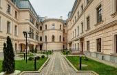Residenze di lusso in splendido palazzo fronte fiume a San Pietroburgo