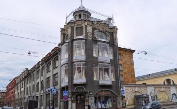 Нежилое помещение под магазин/шоурум в уникальном историческом доме