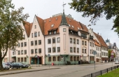 Semi-detached building for rent or sale in the center of Riga