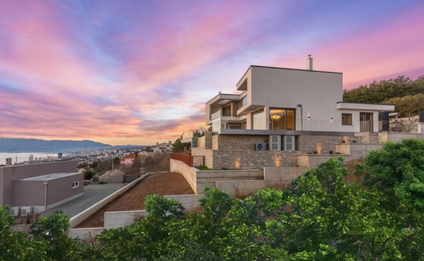 Luxury modern villa with breath-taking views of the Kvarner