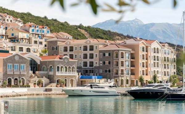 Luxury residences in seaside resort in Montenegro