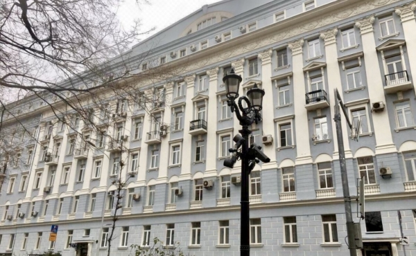 Spacious apartment for sale in early 20th-century building on Nikitsky boulevard