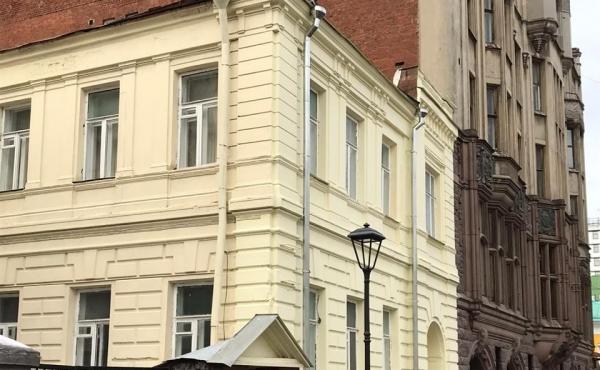 Spazio di 130 m2 per showroom/ufficio in zona Chistye Prudy