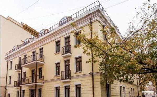 Spazio di 200 m2 con ingresso indipendente tra Paveletskaya e Taganskaya