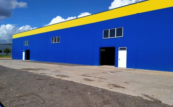 Warehouse and car service for rent 20 km South-west from MKAD