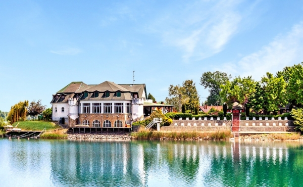 Lakeside hotel for sale in South-west Hungary (near Croatian border)