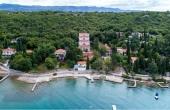 Complesso ricettivo fronte mare in vendita sull'isola di Veglia
