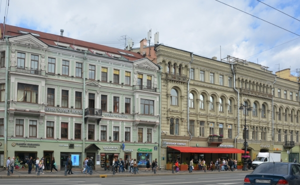 Albergo da ca.50 camere in affitto su Nevsky Prospekt